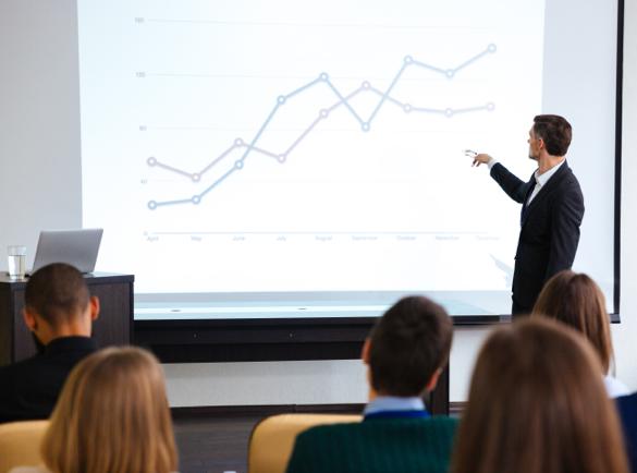 10 idées pour attirer la foule sur votre stand lors d'un salon | 8. Utiliser des présentations vidéo