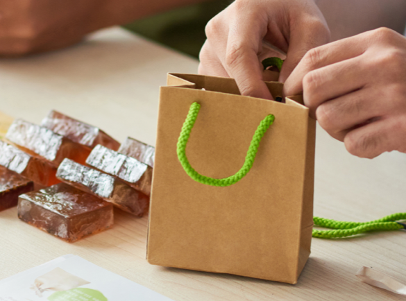 6. Offrir des échantillons de vos produits   7 astuces pour ouvrir la discussion lors d'un salon