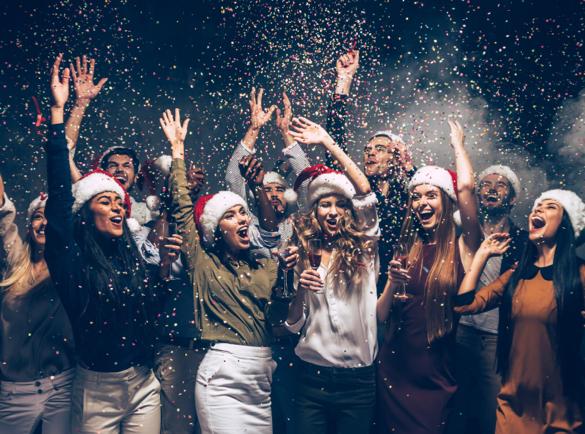 5 idées marketing pour Noël qui peuvent vous inspirer   Organisez une petite fête de Noël